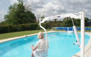 MG Pool Hoist